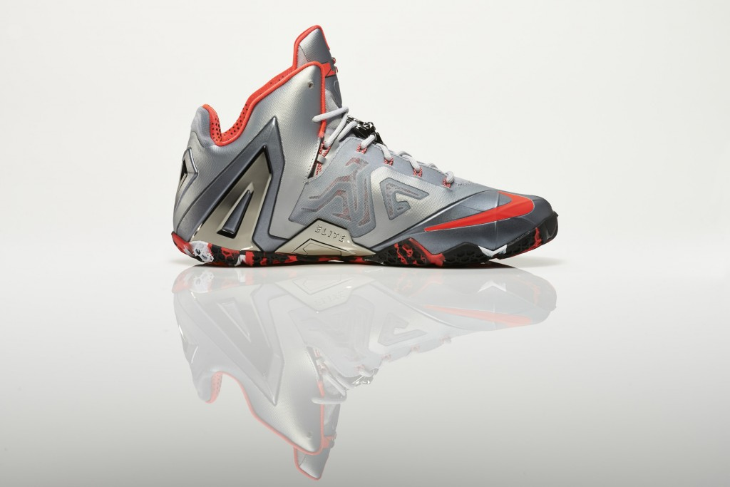Su14_BB_Lebron11_Elite_642846_001_Return_medial_0271_original