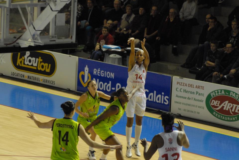 LFB: Villeneuve propulse un peu plus le Hainaut vers la Ligue 2.